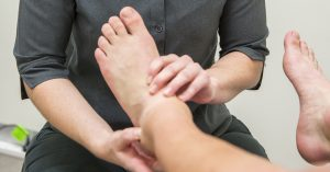 5 tips to treat heel pain